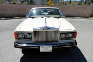 1986 ROLLS ROYCE SILVER SPUR WITH 27000 ORIGINAL MILES. LOOK AT THIS NICE ROLLS! Photo