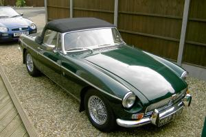 MGB Roadster, 1972, British Racing Green