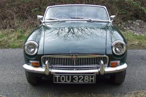 1969 MG B ROADSTER BRITISH RACING GREEN
