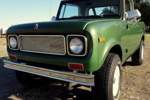 1970 International Scout 800a 4x4, Half Cab Pickup and Full SUV Top, Automatic Photo