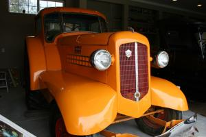 19387 MInneapolis Moline UDLX Comfort Tractor