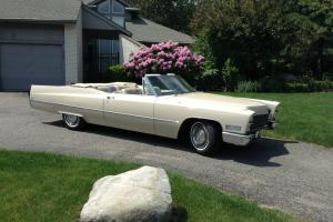 1967 Cadillac Coupe DeVille Base Convertible 2-Door 7.0L