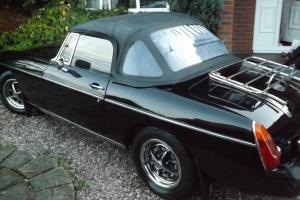 1976 MG B BLACK