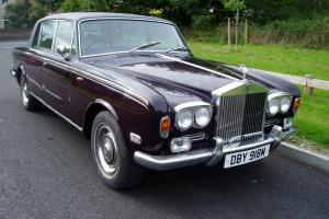 ROLLS ROYCE LONG WHEEL BASE SILVER SHADOW. RED