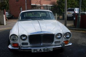 DAIMLER 4.2 SOVEREIGN AUTO WHITE 49042 MILES FULL HISTORY STAMPED UP BOOK