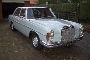 1970 MERCEDES 280S BLUE AUTOMATIC