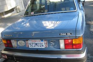 null Volvo 240 DL