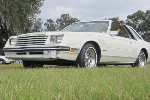 1982 Dodge Mirada Special Coupe T-Top 2-Door 5.2L