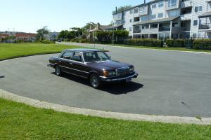 1989 Mercedes 560SL with 111007 original miles.