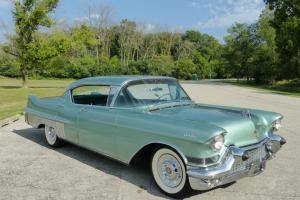 1957 Cadillac Hard Top Series 60 Fleetwood