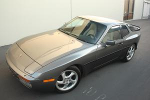 1986 Porsche 944 Turbo Coupe 2-Door 2.5L