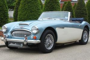 Austin Healey 3000 MK3 BJ8 RHD ice blue/white