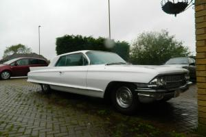 1962 CADILLAC WHITE