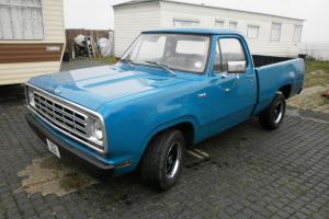 Dodge D100 pick up 1972 short bed fleetside