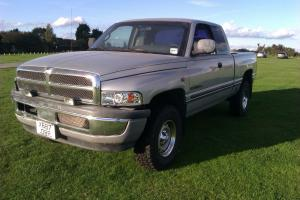 DODGE/RAM/TOUGH/4X4/TWINCAB/CHUNKY TYRES/CRUISE/POWERFUL/TRUCK2001-2/HARD LOOKS