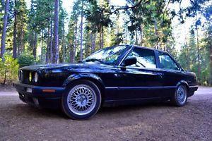 1988 BMW 325is Base Coupe 2-Door 2.5L