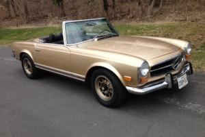 MERCEDES 280 SL  1971 ****THE GOLD STANDARD.......LOW MILES.*****