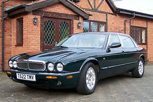 STUNNING BRITISH RACING GREEN1999 JAGUAR SOVEREIGN V8 FOUR LITRE TAXED