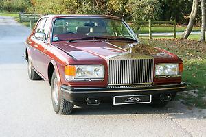 Immaculate Rolls Royce Silver Spirit  Photo