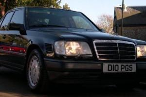 Mercedes 300 turbo diesel right hand drive the only one in the uk w124
