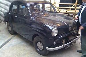 Lovely vintage 1955 Standard 10 car in good condition