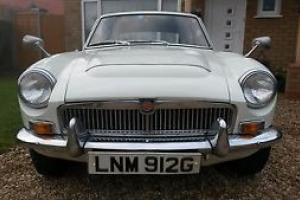 1969 MG MGC in Snowberry White