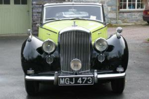 1951 Bentley MK VI H J Mulliner Saloon B272LJ  Photo