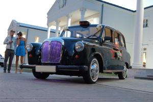 1992 CARBODIES TAXI/HIRE CAR BLACK, LONDON TAXI, LHD