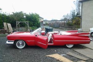 1959 CADILLAC RED  Photo