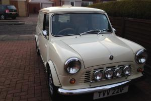 1967 AUSTIN MINI VAN Photo