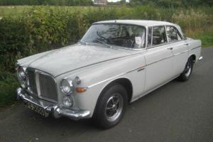 Rover 3500 P5 B coupe.