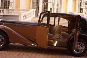 1939 Daimler Straight Eight 4-Litre Pillarless Sport Saloon by Vanden Plas