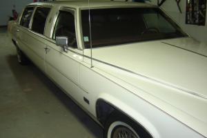 Cadillac : DeVille LIMO