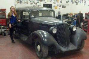 1933 Graham Six 58   - 4 door sedan