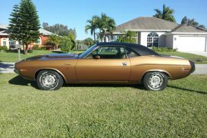 1970 DODGE CHALLENGER R/T California built, high-impact gold color.