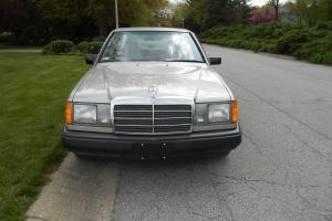 1987 260 E Mercedes Benz One Owner 19,862 Original Miles Perfect