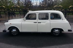 STUNNING RESTORED WHITE WEDDING CAR AIR/C FSH LONDON TAXI BLACK CAB LTI FAIRWAY Photo