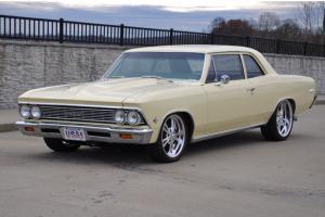 1966 Chevrolet Chevelle 300 deluxe resto mod