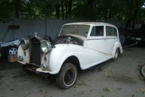 1957 ROLLS ROYCE  SILVER WRAITH LIMO W/DIVISION  PARK WARD - CHEVY DRIVE TRAIN