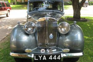 1949 Triumph TDA 2000 Saloon Photo