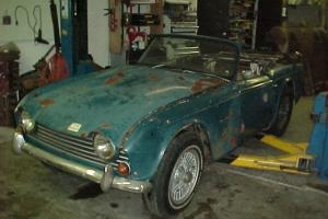 TRIUMPH TR250 RESTORATION PROJECT CAR 1968 WITH CLEAR TITLE