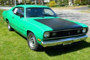 1972 PLYMOUTH DUSTER w/318 V-8 ENGINE w/ONLY 6,000 MILES-3 SPEED-RUNS GREAT !!