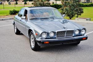 Simply stunning original 1987 Jaguar XJ6 Sunroof 6 cly 27mpg loaded must be seen