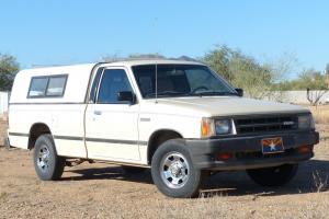 1987 Mazda B2000 LX Standard Cab Pickup 2-Door 2.0L. Excellent condition