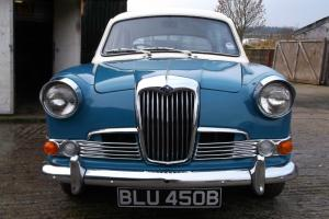1964 RILEY 1.5 - BEAUTIFUL TWIN CARB SPORTING SALOON. PRETTY AS A PICTURE