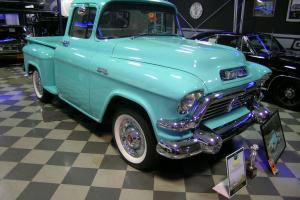 1957 GMC 100 STEPSIDE SHOW TRUCK /RESTO MOD /CONCOURS DE ELEGANCE