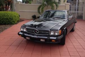 1986 MERCEDES SL 560 Convertable, char grey with burgandy interior