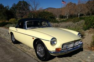 1969 MGB ROADSTER, ONE-OWNER, CA CAR, LOW MILES, CHROME WIRES, OD