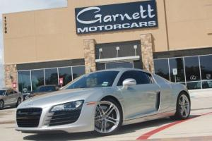 2009 AUDI R8 COUPE! READY TO DRIVE! SERVICE PACKAGE! CARFAX CERT! Photo