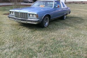 1977 Pontiac Bonneville  Base Coupe 2-Door 6.6L